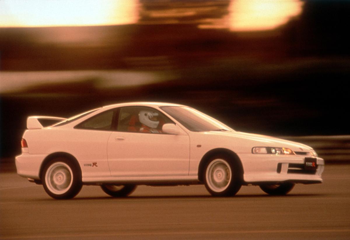 中古車価格爆上がりの「初代インテグラタイプR」! 庶民も買えた「下町のスーパーカー」を振り返る