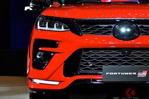 トヨタ 新型SUV「フォーチュナーGRスポーツ」を連投!? スポーツ度強調の迫力顔SUVを10月下旬に比で発表か