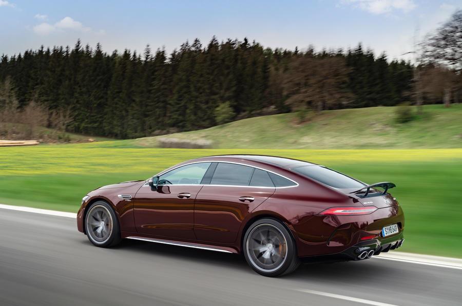 【新色追加】メルセデスAMG GT 4ドア・クーペ 改良新型、欧州発表 乗り心地向上