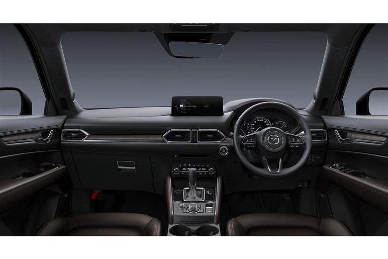 マツダ CX-5 ベースグレードでも先進装備は標準。ライバルも実力伯仲だがデザインで優勢