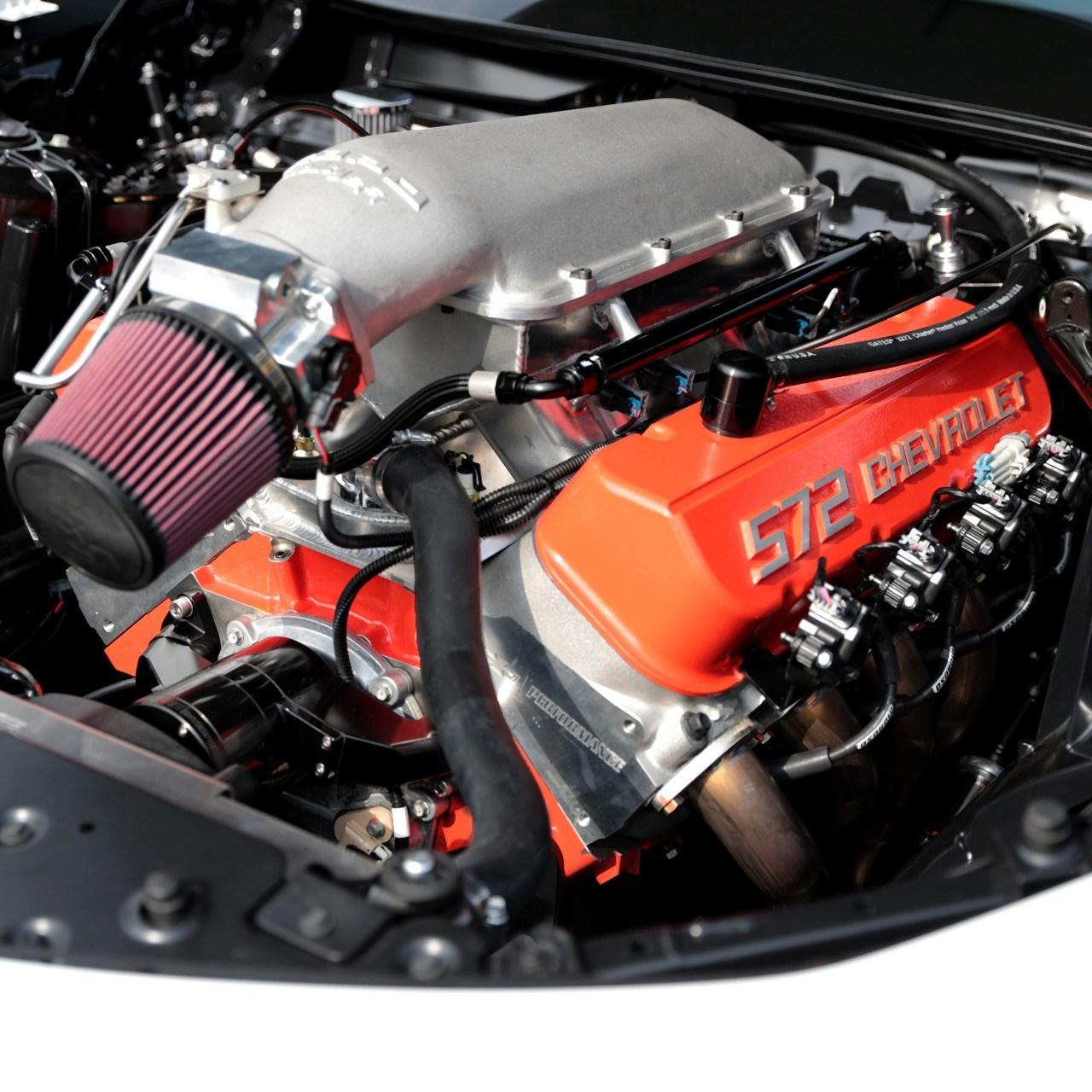 排気量9373cc! シボレーがウイリーするほど速いドラッグレース用カマロを販売