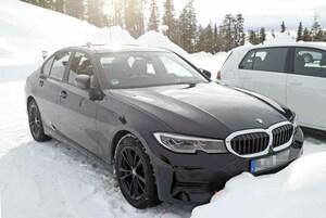 【スクープ】来夏デビューか!? BMW 3シリーズ改良新型、巨大湾曲ディスプレイ搭載へ!