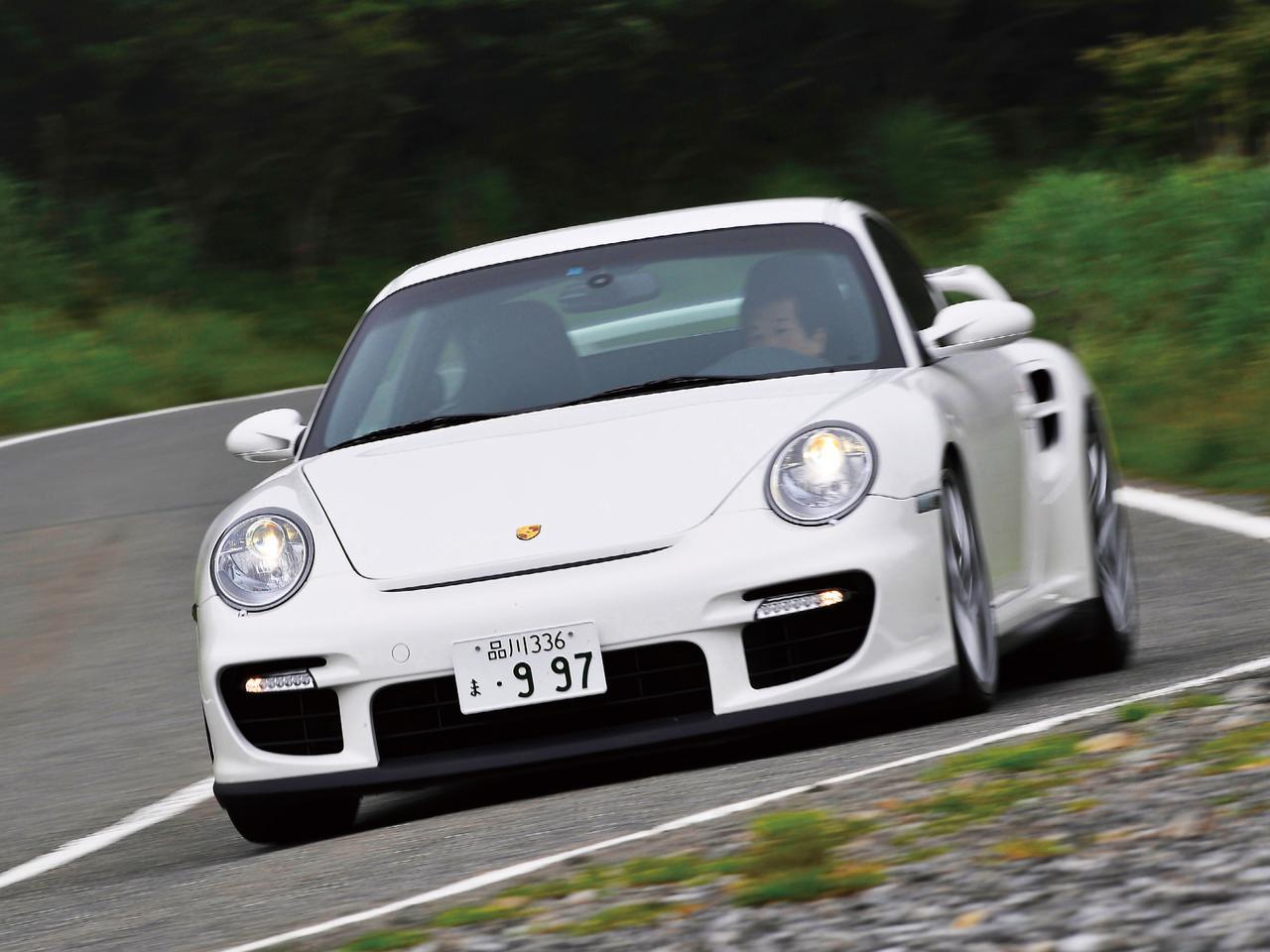 【試乗】997型 911 GT2はポルシェのスポーツカーの頂点に立つべく誕生したモデルだった【10年ひと昔の新車試乗記】