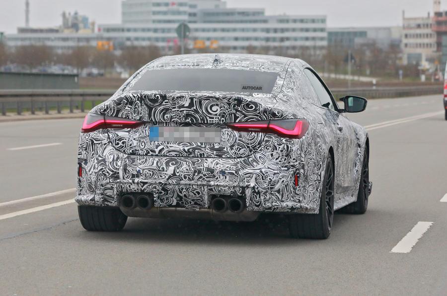 【スポーツクーペの最上位モデル?】BMW M4に「CSL」復活か 軽量なハードコア仕様 プロトタイプ目撃
