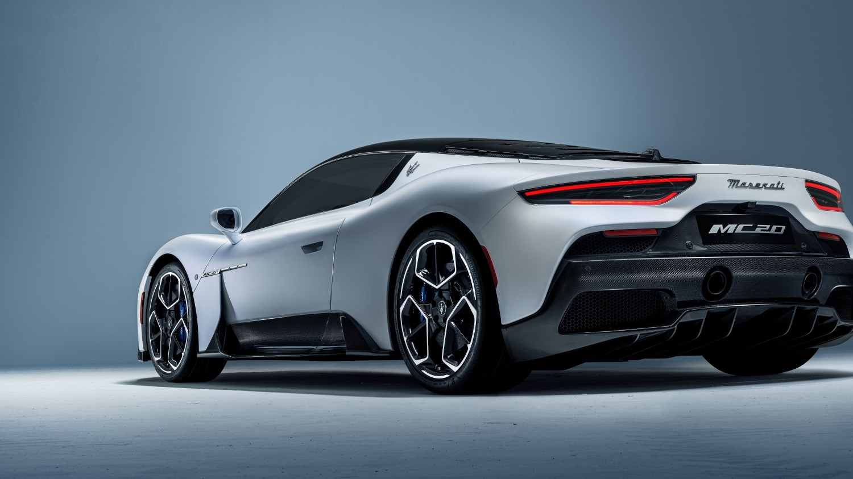 マセラティ、新型スーパースポーツ「MC20」を世界初披露 最高出力630HPで車重は1500kg未満