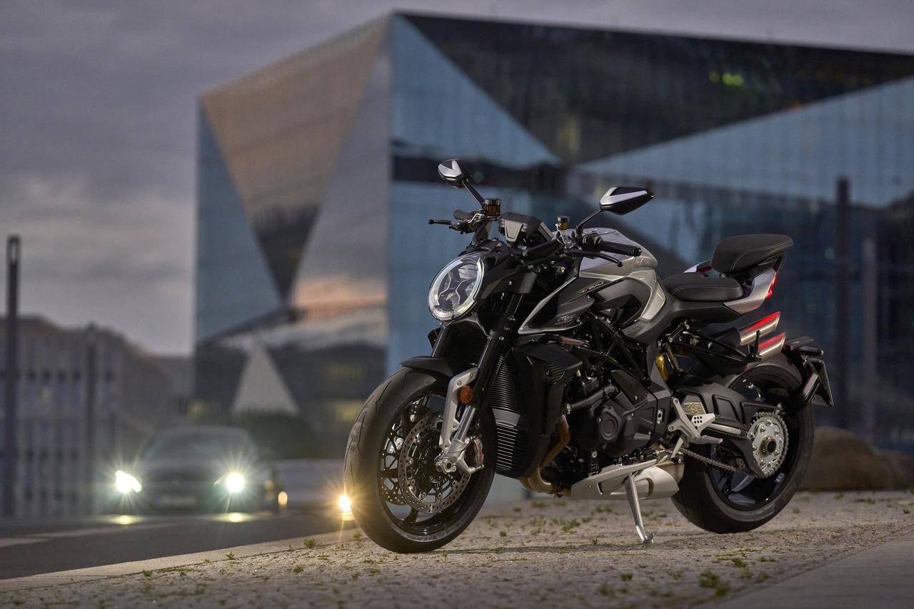MVアグスタ「ブルターレ1000RS」新登場! 美しくも獰猛なスタイル、強烈なパフォーマンスに快適さをプラス【2022速報】