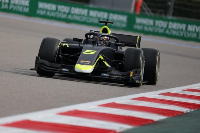 ティクトゥムがポール・トゥ・ウイン。佐藤万璃音は14位【FIA-F2第6戦ロシア レース1】