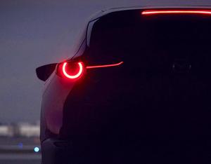 マツダ電撃発表!! 突如出現した新型SUVは次期CX-3!???