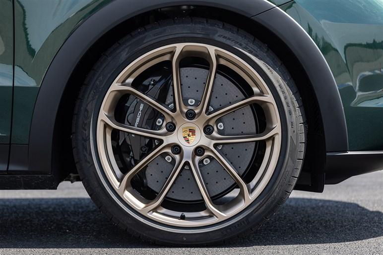 ポルシェ カイエンの最速グレード、ターボ GT開発の背景。その万能ぶりにWRCチャンプが、お前たち一体何をしたんだ?