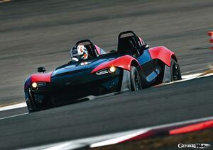 富士スピードウェイ全開アタック! 未知なるスポーツカーをサーキットで試す:ライトウェイトスポーツ編 【Playback GENROQ 2017】