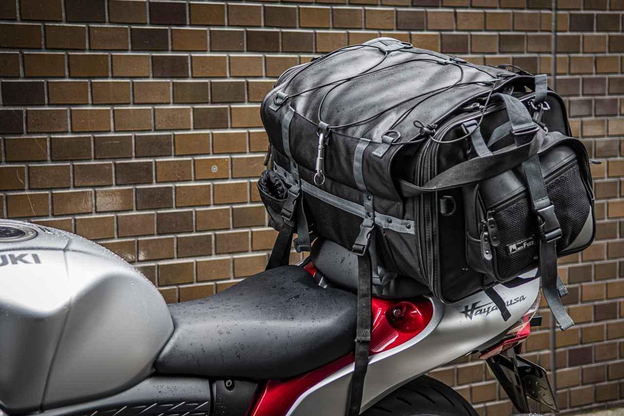 【積載テスト】新型『隼(ハヤブサ)』にキャンプできるくらいのデカいバッグ積んでみた! 「積載能力」や「燃費」からわかったツーリングバイクとしての適性は?【個人的スズキ最強説 / SUZUKI HAYABUSA レビュー(5) 実用編】