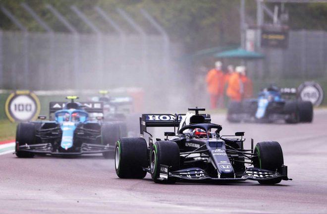 前戦から一転して低評価も「ルーキーはミスをするもの」と今後の活躍に期待/角田裕毅の海外メディア評 F1第2戦