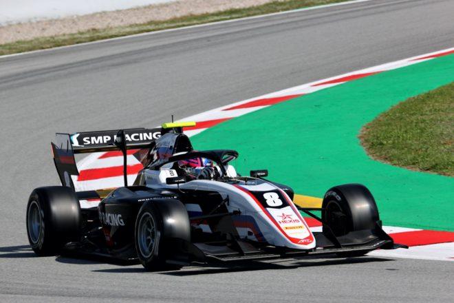 スモリヤーが優勝。岩佐歩夢は5台抜くも入賞ならず【FIA-F3第1戦スペイン レース1】