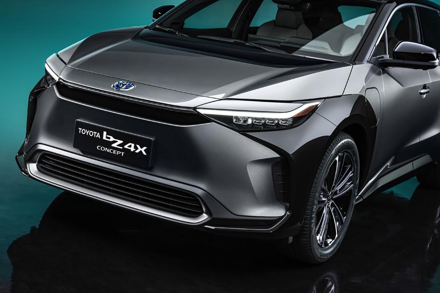 【上海モーターショー2021】トヨタ 4WDのEV「bZ4X」コンセプトとEV戦略を発表