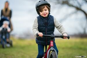 3歳から乗れるベントレー! マグネシウム合金製フレームの超軽量なキックバイク登場