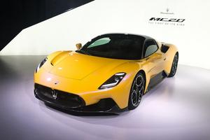 スーパースポーツカー【マセラティMC20】本拠地モデナから世界同時配信で披露!
