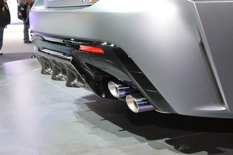 レクサスRC-Fに固定式リアウイング装備で70kgも軽いトラックエディション登場