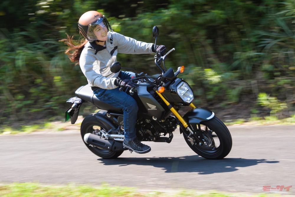 ホンダ新型グロム 20代女子的試乗レポート 「ホントに125cc? 長距離ツーリングしたくなるポテンシャル!」