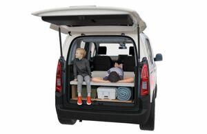 シトロエン・ベルランゴに車中泊が可能なディーラーオプション「agré(アグレ)・ベッドキット」が登場