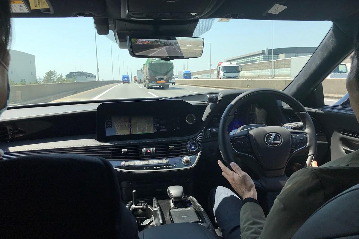 レクサス LSとMIRAIのアドバンスドドライブはレベル3自動運転を前提にしたお買い得性能? 驚きの無償アップデート情報にも注目