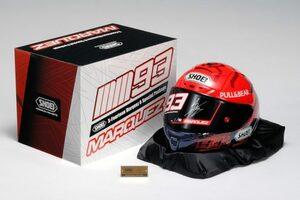 ショウエイ、マルク・マルケスの直筆サイン入りヘルメットを93個限定で発売/MotoGP