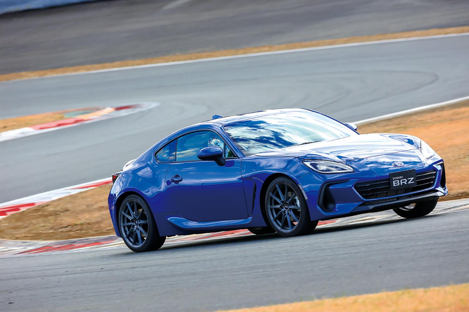 新型2.4ℓ水平対向4気筒エンジンを搭載!SUBARUの新型「BRZ」進化のポイントをチェック