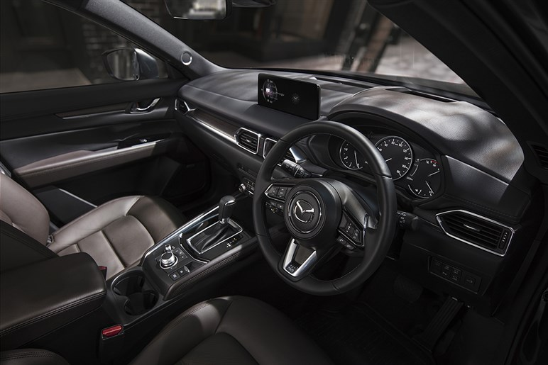 マツダ CX-5が小変更。ディーゼルの出力向上やペダルの踏力調整、センター画面の大型化など