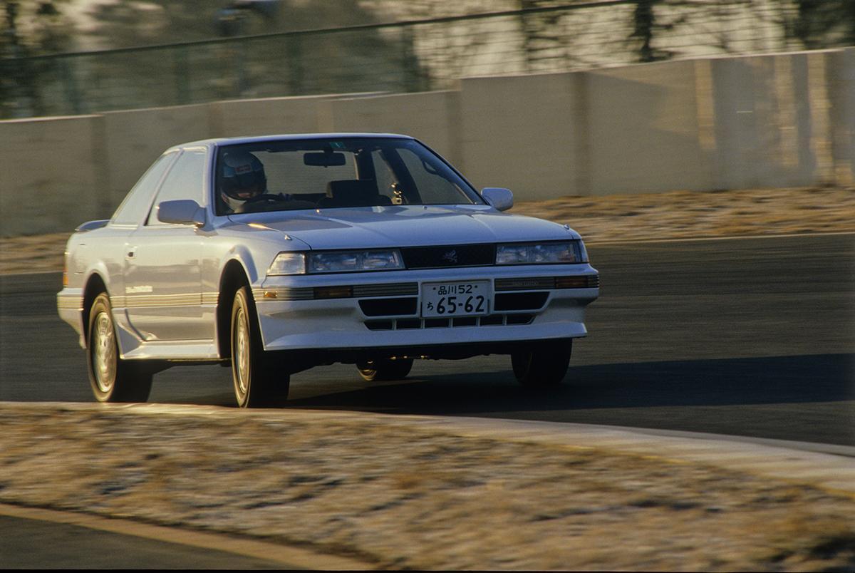 「あぶ刑事」効果で大人気の「日産レパード」が「トヨタ・ソアラ」に勝てなかったワケ