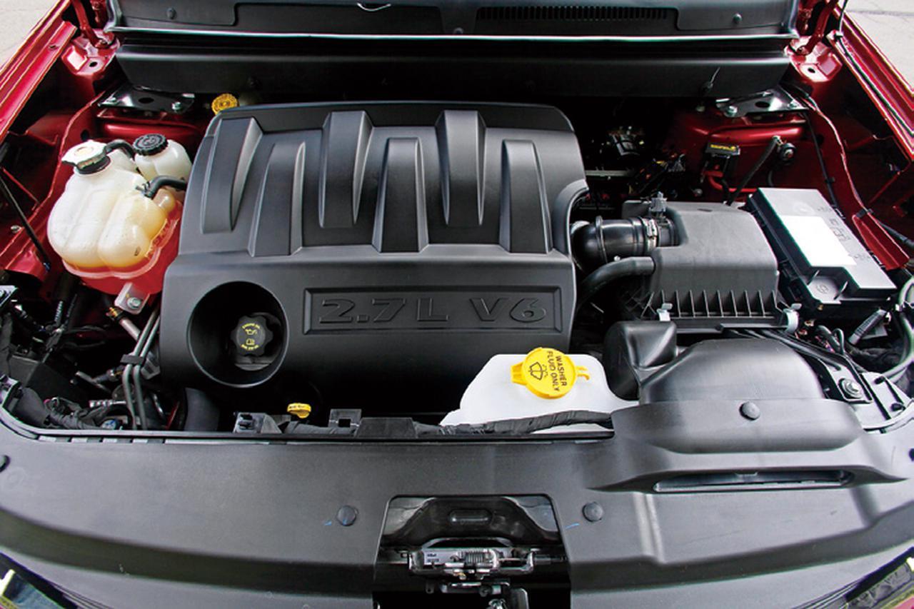 【試乗】ダッジJCはトリプルクロスオーバー。3列シートだがミニバンほど所帯じみていなかった【10年ひと昔の新車】
