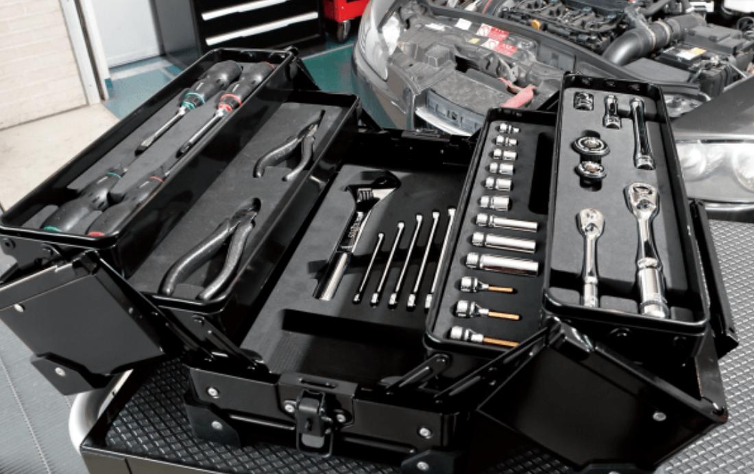 コードレスインフレーター、車載用冷温庫、ツールセット、あると便利なカー用品4選