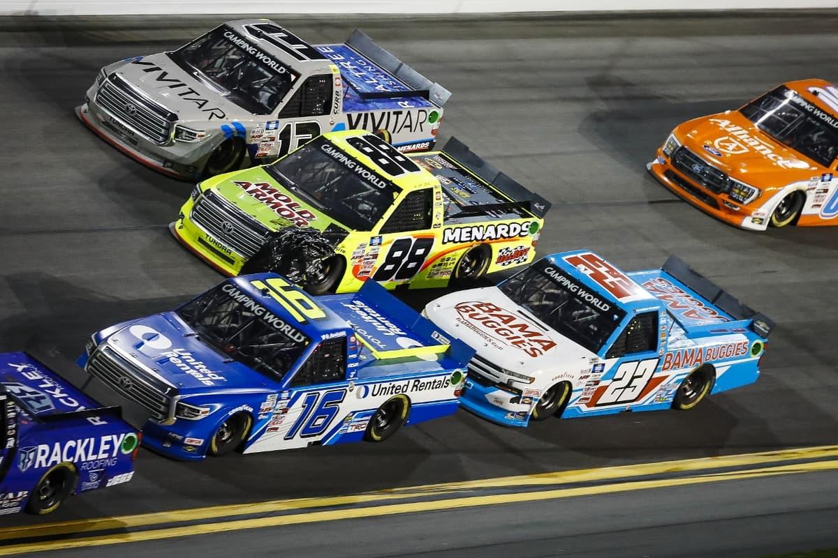 アメリカ最大人気レース「ナスカー」2021シーズンがスタート 服部REチームはタイトル奪回を目指す【NASCARトラックシリーズ 第1戦】