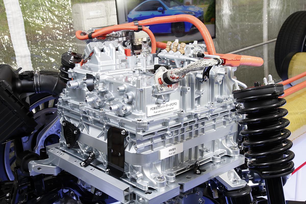 スポーツ車じゃなくてもRWD化のメリットはある! 新型トヨタMIRAIがFFをやめFRを採用したワケ