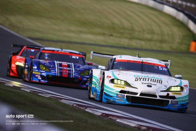 SYNTIUM LMcorsa GRスープラ、サバイバル戦となった500kmバトルを勝ち抜く【第2戦富士GT300決勝】