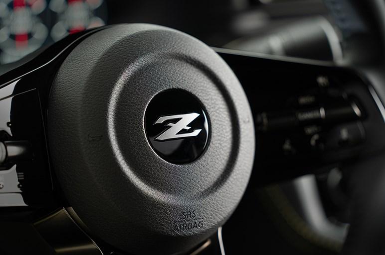 日産、フェアレディZプロトタイプ公開! 革新の伝統を受け継ぎ、ドライバー主役のピュアスポーツカーへと進化