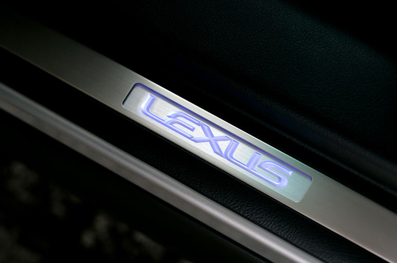 レクサスRX発表。その高級度を写真でチェック