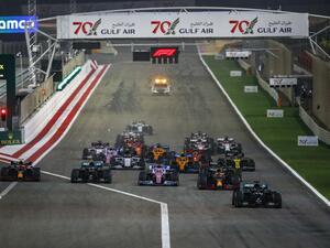 F1バーレーンGP、波乱のレースでハミルトンが11勝目、レッドブル・ホンダの2台が揃って表彰台【モータースポーツ】