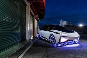【実車撮影!】自動車メーカーが本気でカスタムをすると……TRDとモデリスタが初の共作! プリウスPHVをベースに未来のカスタム像を魅せる