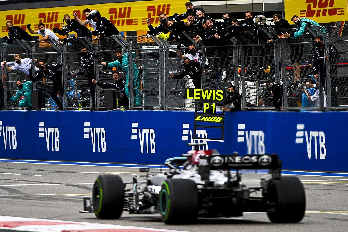 F1ロシアGP決勝:ハミルトンが前人未到の100勝目! レース大半をリードしたノリスは雨に泣く。角田17位