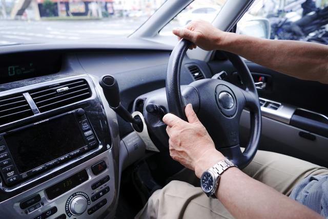 ドライブでよく聴く音楽のジャンルTOP3、3位ヒップホップ・R&B・レゲエ、2位ロック、1位は?