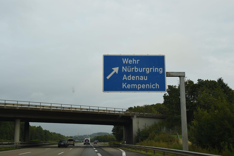「速度無制限」はホントに300km/hでもOK? 日本人が知らないドイツ・アウトバーンの真実