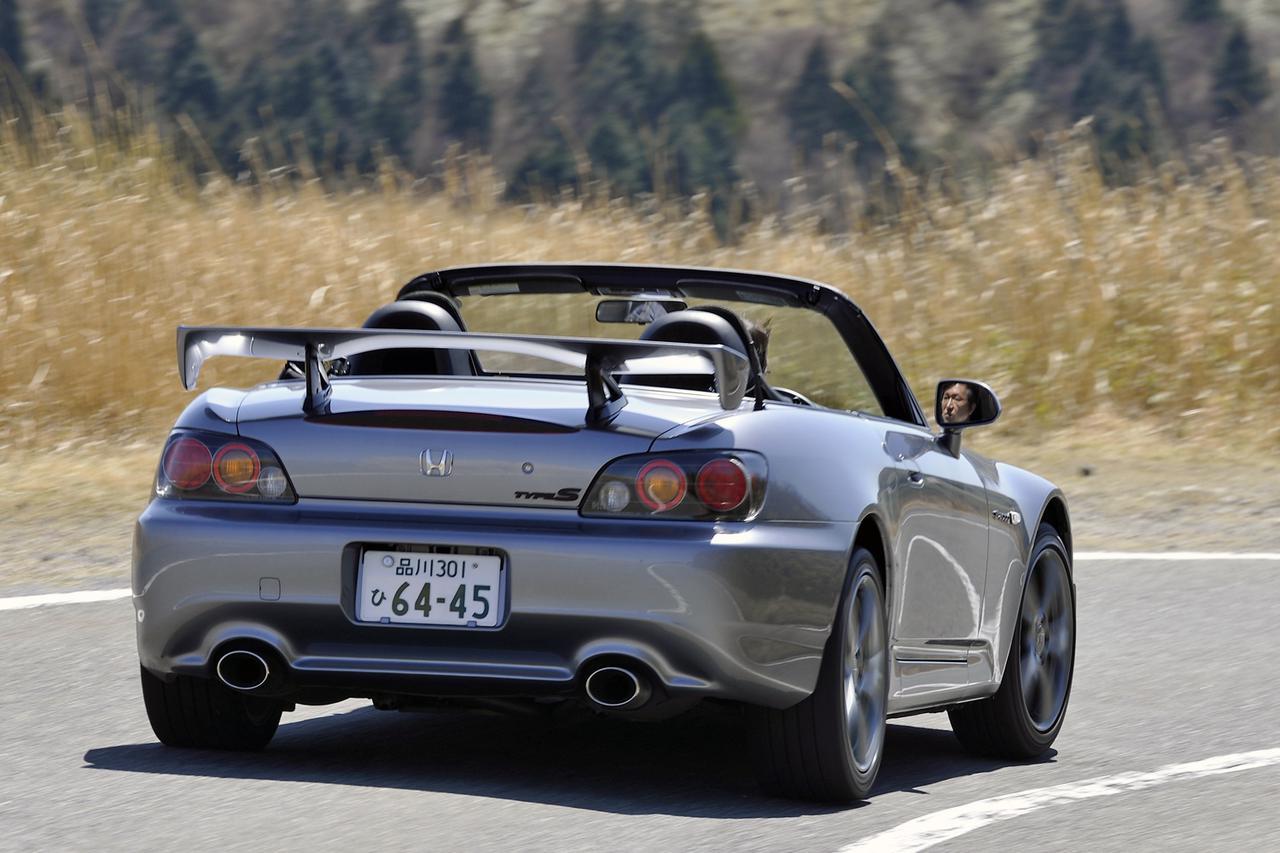 【10年ひと昔の国産車 16】ホンダ S2000は改良が施されるたびに乗りやすく進化していった