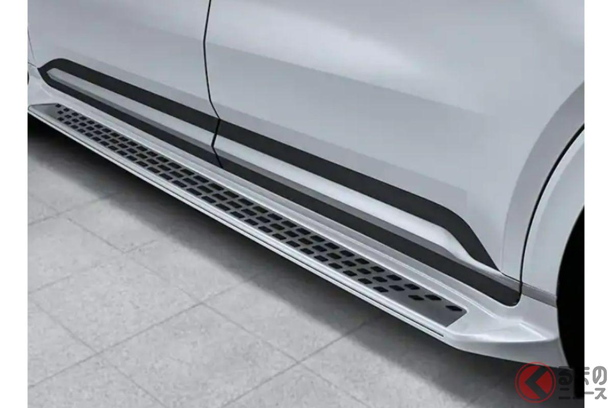 トヨタ「シエナ」の強敵!? 5m超えSUV風ミニバン「カーニバル・ハイリムジン」 超豪華内装が凄い!