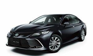 トヨタからOEM供給を受けるダイハツの上級HVサルーン「アルティス」が商品改良。フロントフェイスの刷新やE-Fourの追加設定などを実施