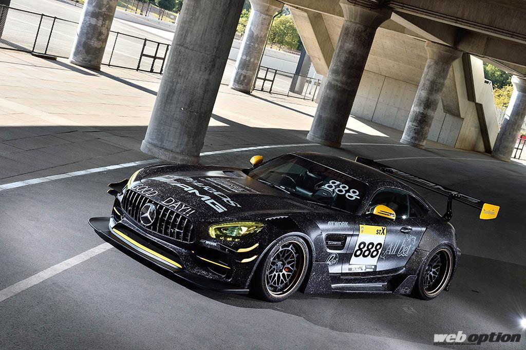 「もはや公道を走るスーパーGTマシン!」最強すぎるメルセデスAMG GT改ワイドボディ仕様