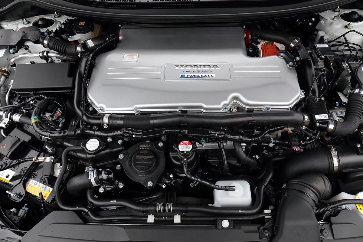 「乗用車」の燃料電池車には将来性がない? 新型「MIRAI」が登場するなかホンダ「クラリティFCV」はどうなる