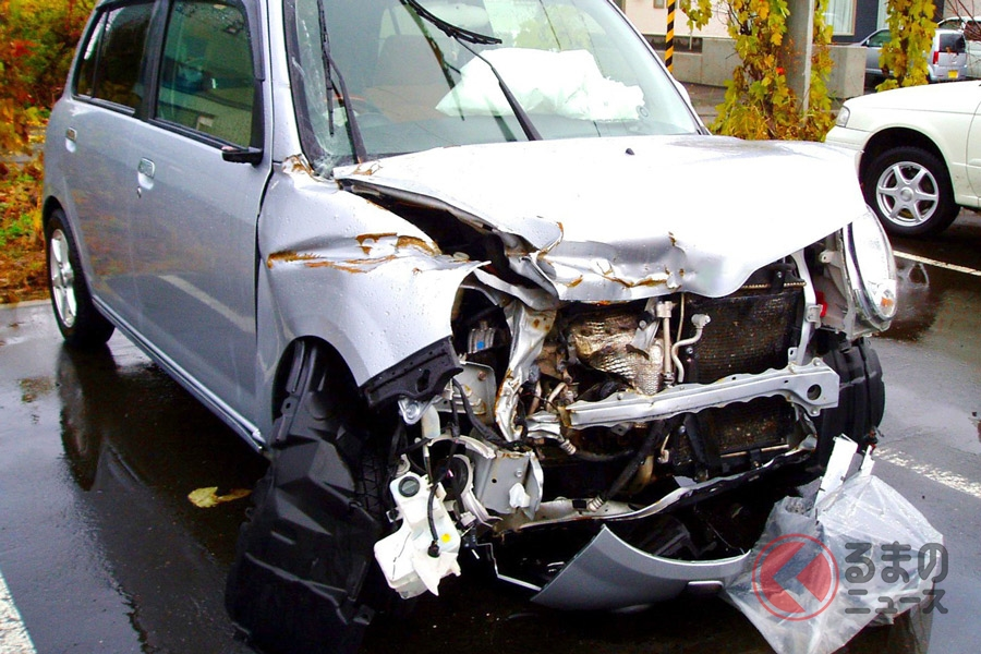軽自動車に8人も… なぜ起きた神奈川の軽8人乗り電柱衝突事故 車の定員超過が危険な訳