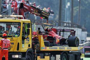 FIAとフェラーリF1、サインツのクラッシュを受け、シートベルトの安全性を調査へ