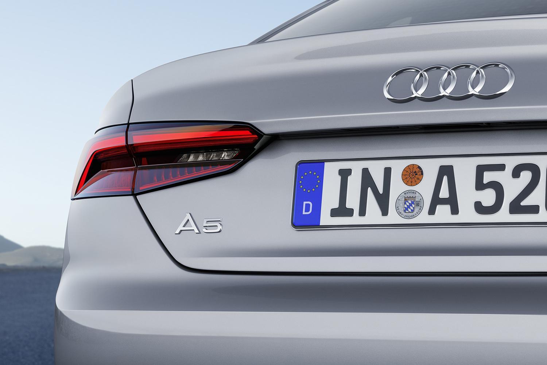 アルファベットと数字で「クルマの中身」がマル裸! 意外と知らない「ドイツ御三家」の車名の意味