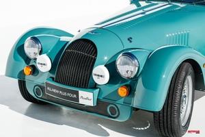 【日本価格/スペック/内装】モーガンの新型車、プラス・フォー発売