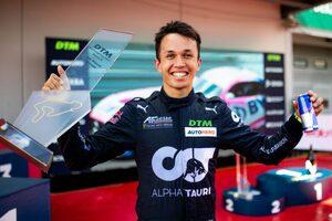F1復帰を狙うアルボン、DTMニュルブルクリンク戦で初優勝。K.ファン・デル・リンデは3勝目